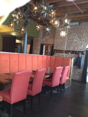 Merchantman Fresh Seafood & Oyster Bar : Inside
