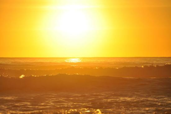 Coolum Beach, Avustralya: Sunrise  over First bay