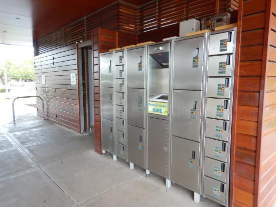 Bondi To Coogee Beach Coastal Walk Lockers