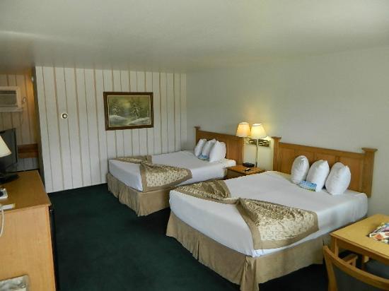 Days Inn by Wyndham Durango : Double Queen Room