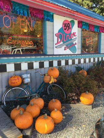59er Diner & Cabins: October at the 59er