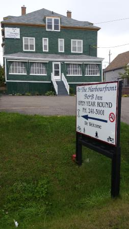 At The Harbourfront Bed & Breakfast Inn : At the Harbour B&B