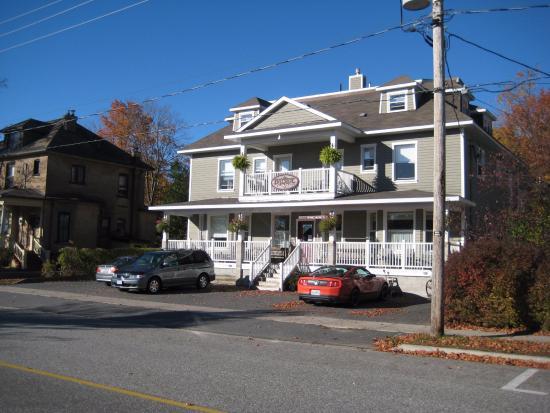 Bayside Inn: Inn from the front