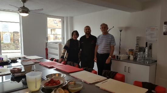 Bishops Stortford, UK: Learning to make curry with my parents visiting from South Africa. WORTH A VISIT TO THIS COOKING