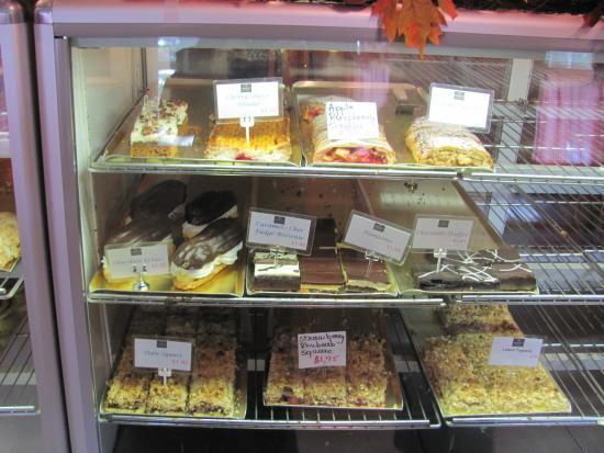 Henrietta's Pine Bakery: Henrietta's Pastries