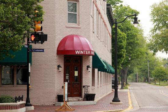 Winter Inn : Interior & outside photos