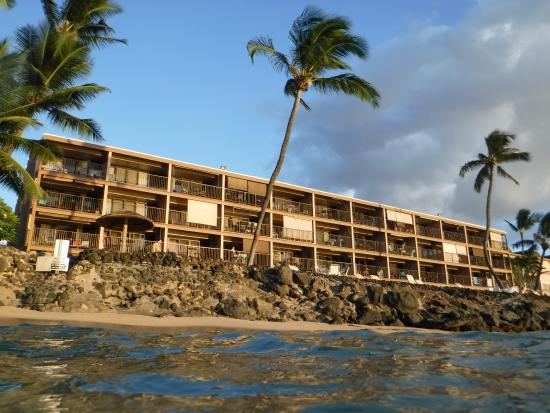 Kaleialoha Condominiums: Looking up at the condo from the water