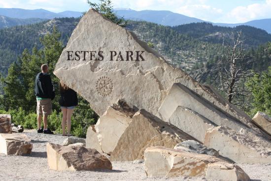 BEST WESTERN PLUS Silver Saddle: Entrance to Estes Park