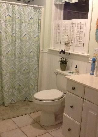 Monument Beach, MA: First Floor Bathroom