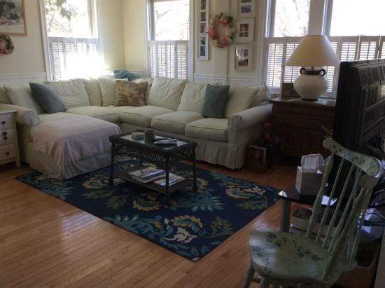 Monument Beach, MA: Living Room - 1st floor