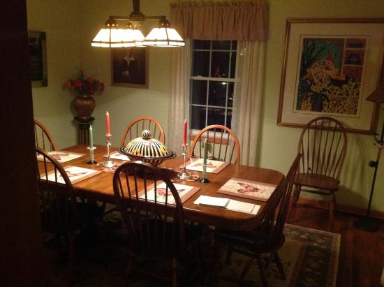 Lost River Bed & Breakfast: Dining room