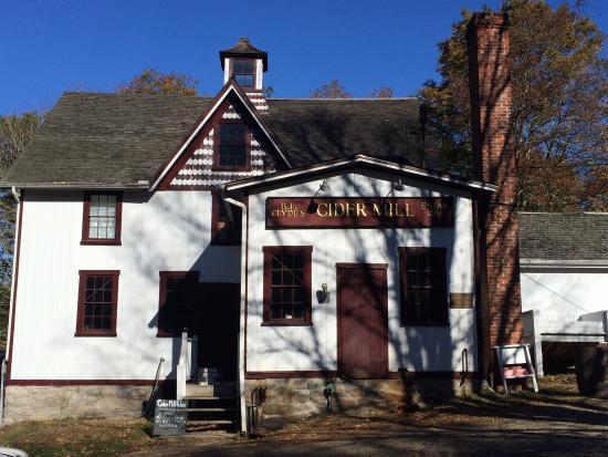 B.F. Clyde's Cider Mill: photo0.jpg