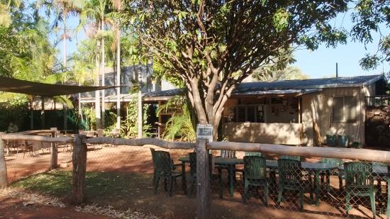 Drysdale River Station: Courtyard, kitchen and bar area