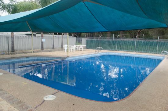Acclaim Swan Valley Tourist Park: Outdoor Pool