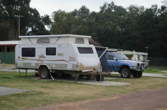 Acclaim Swan Valley Tourist Park: Caravan Sites