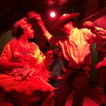 Kultur Berlin Hostal: Bolivian dance evening