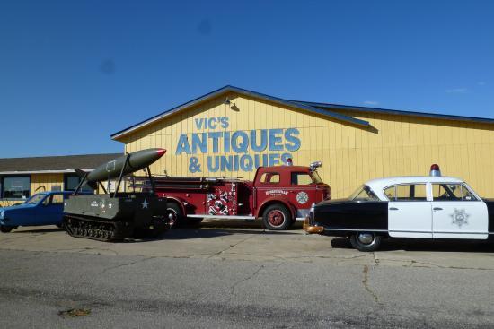 Vic's Uniques and Antiques