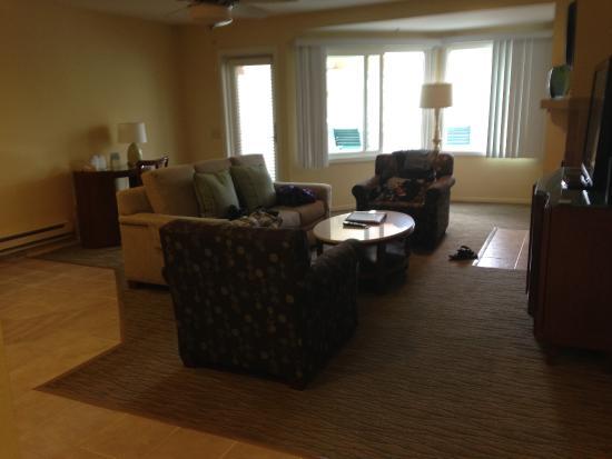 living room san clemente cove resort. Black Bedroom Furniture Sets. Home Design Ideas