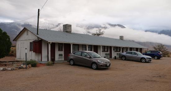 Rustic Oasis Motel: Вид на жилой корпус