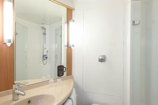 Salle de bain photo de ibis ciboure st jean de luz for Salle de bain st jean