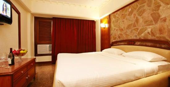 Royal Garden Hotel : Bedroom
