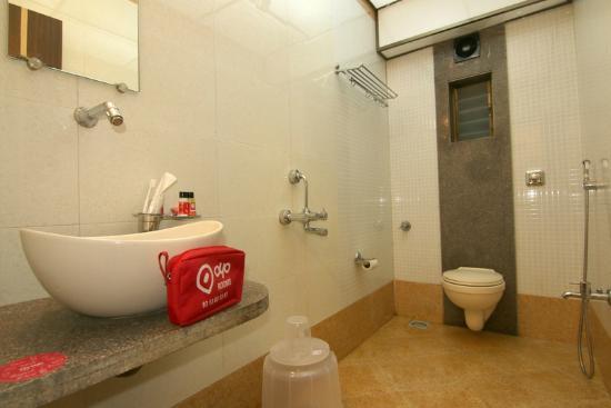 Oyo 394 Hotel Panvel Palace  Indien  - Omd U00f6men Och Prisj U00e4mf U00f6relse