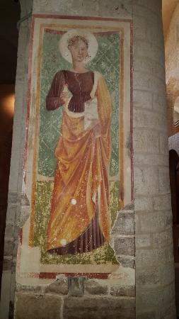 Spoleto, Italia: Un fresco del interior de la Basílica de Santa Eufemia
