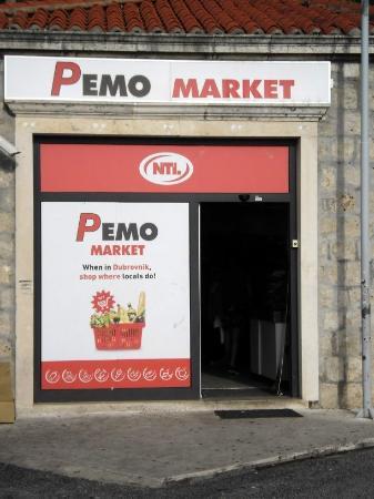 Ploce, Croacia: Pemo Supermarket