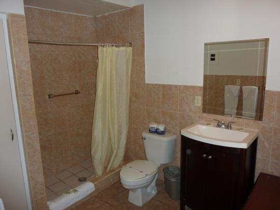 Salle De Bain Picture Of Travelodge By Wyndham Miami