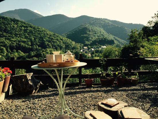 Galey, Francja: Afternoon tea on the terrace