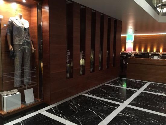 Lobby bild von hotel stadt freiburg freiburg tripadvisor for Designhotel freiburg
