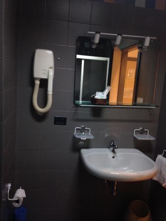 Hotel Bareta: Lavandino
