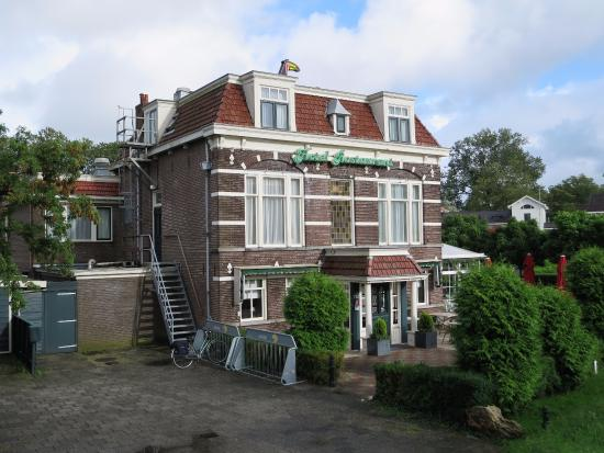 Van der Valk Hotel Purmerend : 1階はおいしいレストラン