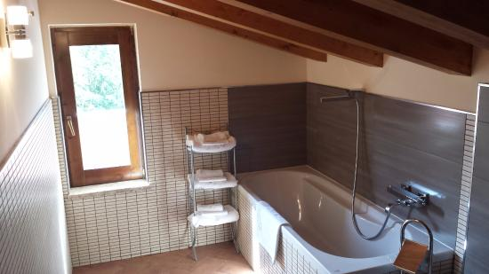 Bagno mansardato - Picture of Il Papavero Country House, Bagnoli ...