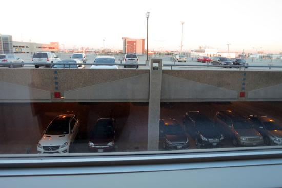 Four Points by Sheraton Winnipeg International Airport: yucky view, but nobody was ever up on the roof area
