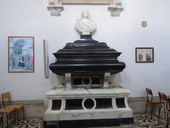 Urbino, Italia: Il sepolcro del Duca