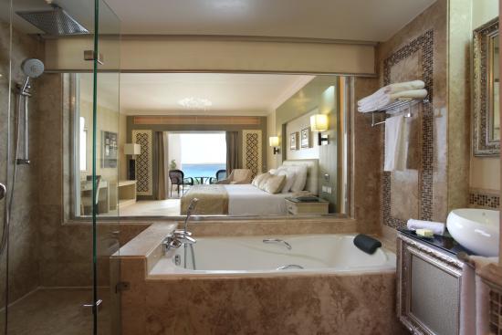 Premier Romance Boutique Hotel And Spa Bath Room