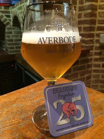 Huyghe Brewery: Cerveja Averbode