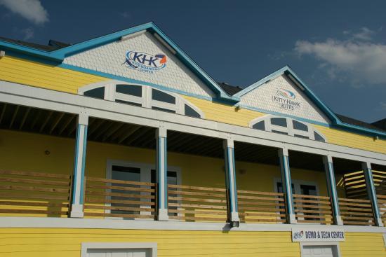 Kitty Hawk Kites Kiteboarding Resort in Rodanthe, NC