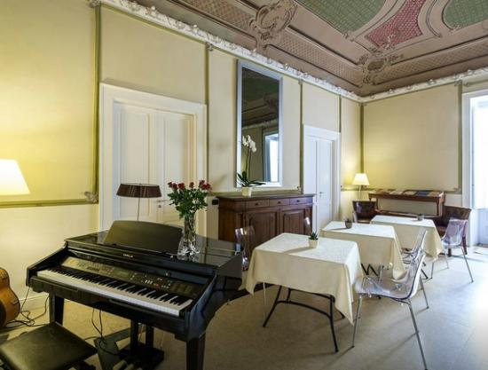 B&B Sant'Agostino : sala colazione - breakfast room