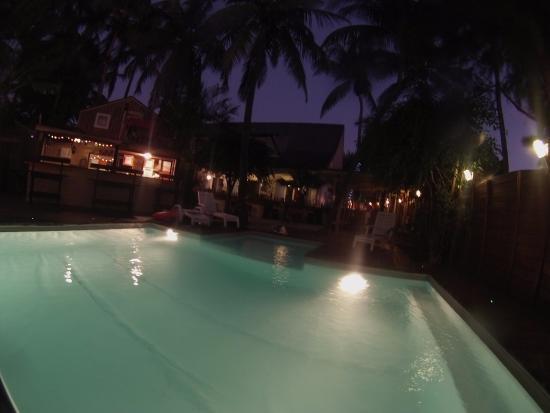 Chez Coco Island : vue du spa sur piscine COCO ISLAND
