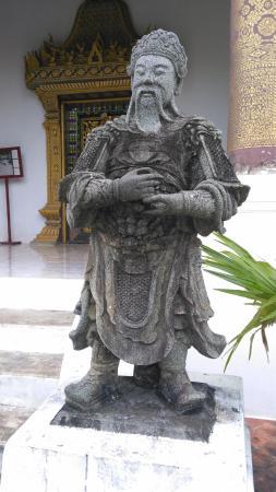 Wat Choumkhong - Guardian statue