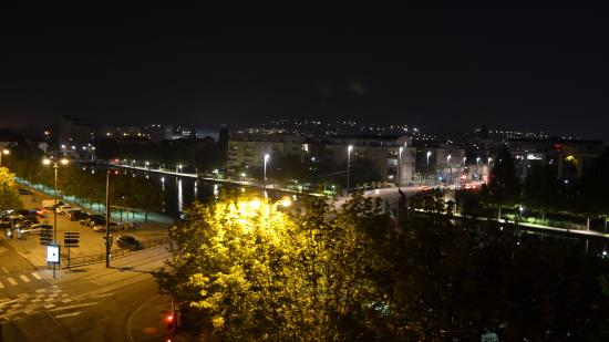 Ibis Nancy Sainte Catherine: Nightime view ... beautiful...