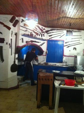 Druk Bezig In De Keuken Picture Of To Limani Taverna Loutro