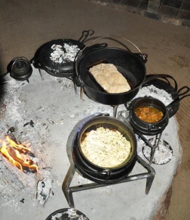 Tsakane Safari Camp: Dineren in de 'Boma'