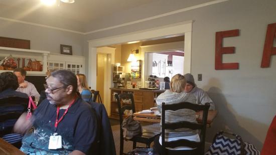 เกรชัม, ออริกอน: one of the dining rooms