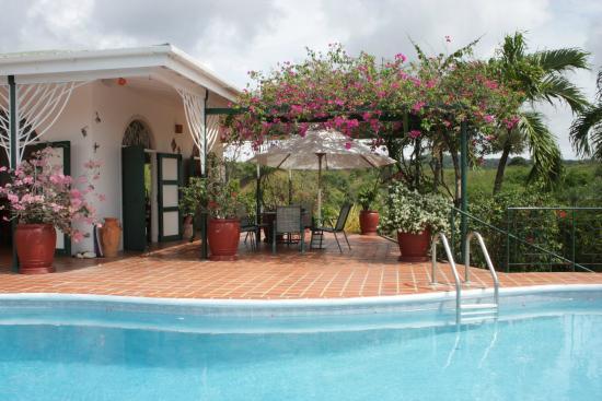 Top O' Tobago Villa & Cabanas: Main House Dining Patio