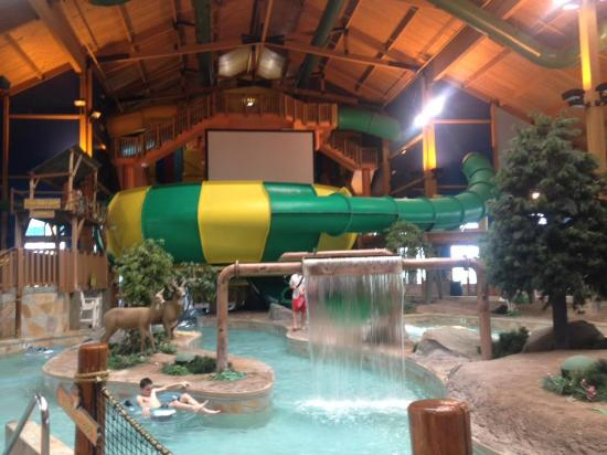 Logger's Landing Indoor Waterpark: Lazy River and Waterslides
