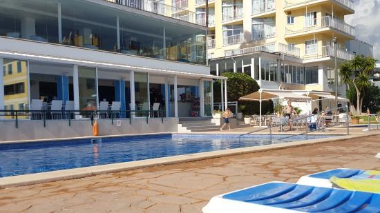 La piscina picture of hotel amic horizonte palma de - Piscinas palma de mallorca ...