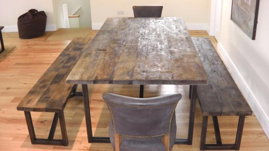 The Unicorn Hotel : Tim Oulton dining table